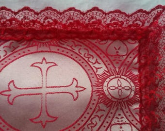 Red and White  / Red Trim