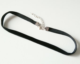 Thin Black velvet choker | black choker | 6 mm | 90s choker | choker necklace | 1 cm 3/8 inch choker