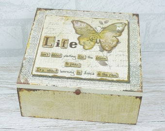 Wooden Memory Box Keepsake Chest Treasured Life Is Not About Waiting For The Storm To Pass SG1738 W18