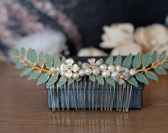 Bridal wedding hair comb, vintage bridal wedding head flower pin, wedding hair flower head wreath,white head band with flowers