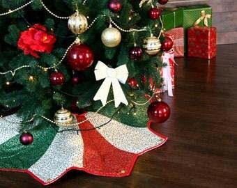 Tree Skirt, Christmas Tree Skirt, Green, Red, White, Star tree skirt, Mistletoe decor, Xmas tree skirt, Quilt tree skirt, Golden, Holiday