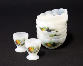 Arcopal dishes and egg cups