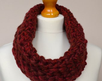 Red merino wool scarf. Red merino wool neck warmer. Red wool neck warmer. Red wool scarf. Red winter scarf. Red infinity scarf.  Short scarf