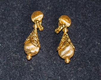 Vintage Gold-Tone Filagree Drop Earrings