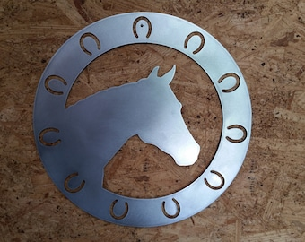 """16"""" circle horse with shoes"""