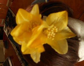 A hair brooch fabric flowers hair brooch headband flower