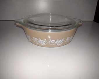 Vintage Pyrex 1 pint Sandalwood casserole dish with clear lid - 471