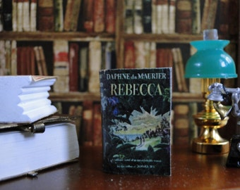 a review of daphne du mauriers gothic romance novel rebecca