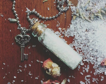 Aromatherapy Diffuser Necklace - Personal Essential Oil Diffuser - Smelling Salts Necklace - Smelling Salts - Aromatherapy - Oil Necklace