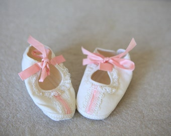 White Infant Baby Girl Shoes with Pink Ribbon 1960s Canvas