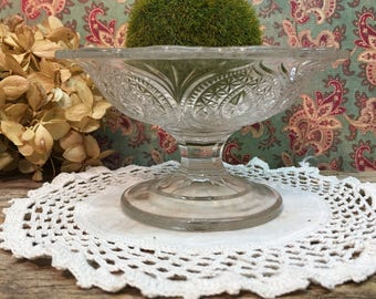 Vintage Footed Dish/Ruffled Edge/Compote/Small/Candy Dish