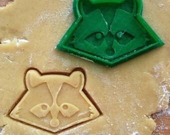 Raccoon cookie cutter. Raccoon cookie stamp. Animal cookies