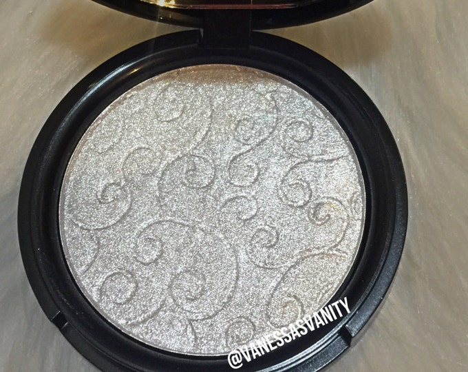 SILVER LINING - Pressed Highlighter
