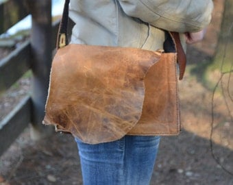 Tan Natural-Cut Edge Messenger Bag