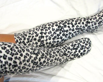 Polar Feet Fleece Knee High Socks Snow Leopard