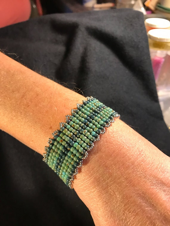 Hand Beaded Bracelet Infinity Jewelry NO 116