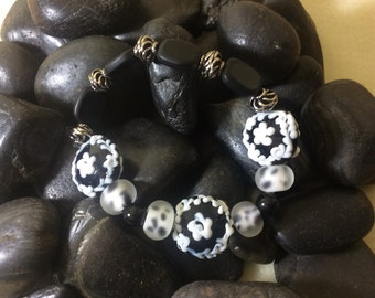 Black & White Flowered Bracelet
