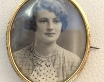 Beautiful French Pinchbeck Portrait Brooch on Mother of Pearl.