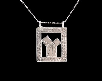 Vintage 1920s Silver Art Deco Masonic Pendant Depicting Pythagoras' Theory, Laurel Leaf Border Detail, Birmingham 1923 George Kenning & Son