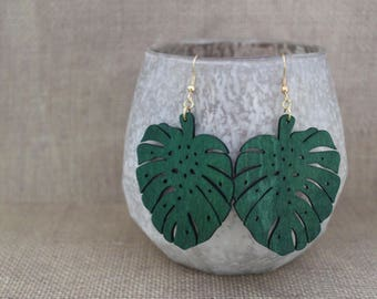 Earrings / Wood Earrings / Green Earrings / Leaf Earrings