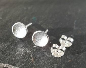 Sterling silver moon earrings, circle earrings, silver moon studs, tiny moon earrings, tiny moon studs, textured moon studs, circle studs
