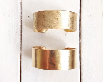 Medium brass bangle