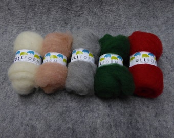 "Norwegian carded wool fleece bundles in ""Christmas"" colours"