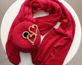 Soft 100% cashmere red scarf