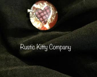 Heart red checker pin small