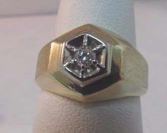 14K Solid Gold Solitaire Diamond Ring - Size 7 - #R34