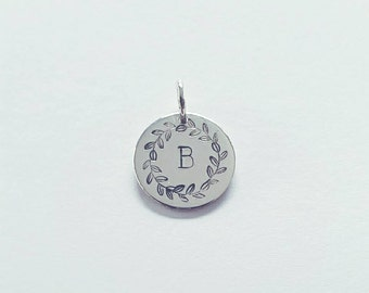 Laurel Wreath Initial Disc Pendant