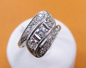 ANTIQUE Diamond Woman's Ring  White Gold ESTATE