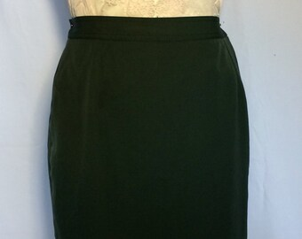 Valentino pencil skirt-hunter green size M