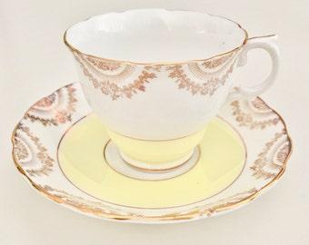 Vintage 1940s Balfour tea cup and saucer fine bone china