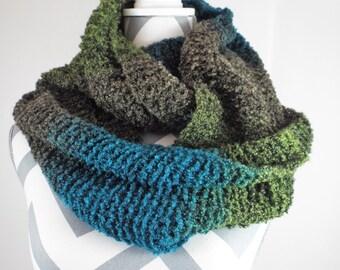 Knit Infinity Scarf, Hand Knit Scarf, Chunky Scarf, Chunky Infinity Cowl, Knitted Infinity Scarf, Warm Cozy Scarf, Fashion Scarf