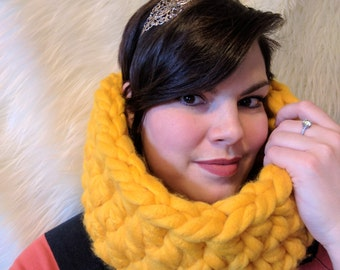 READY to ship. Yellow Mustard Cowl. Circular Neckwarmer. Extra-Large. Bulky yarn. Scarf for adult. Bright color. Soft yarn. Oversized cowl..