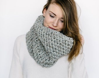 Cowl Scarf // in GREY