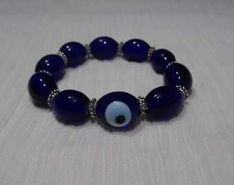Blue evil eye protector bracelet (free shipping)