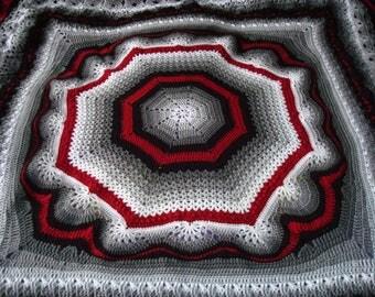 Warm and striking blanket 130x130cm