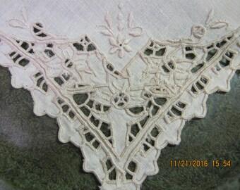 Cutwork Dinner napkins-Ecru linen- set of 4