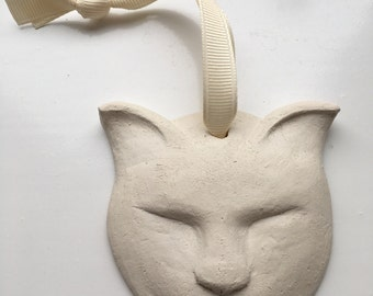 Ceramic cat decoration full mischievous face