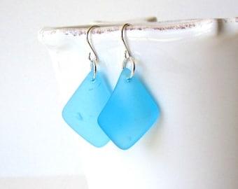 TURQUOISE BLUE Sea Glass Earrings, Beach Glass Dangle Earrings, Sea Glass Drop Earrings, Sea Glass Jewelry, Beach Jewelry, Sea Glass Jewelry