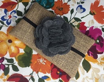Felt flower w/ black elastic