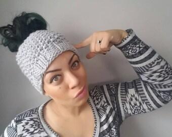 Bun beanie//messy bun//top knot//beanie/knit/hand knit