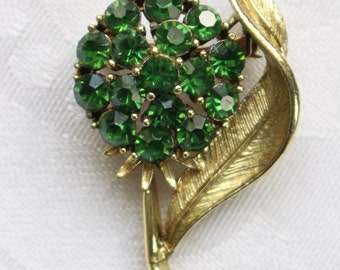Vintage Gold Tone Coro Brooch Green Crystal Cluster