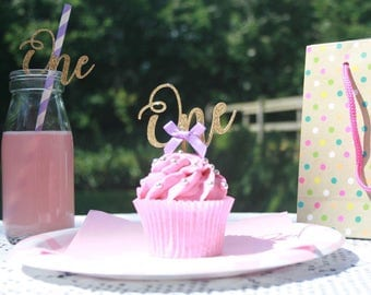 """Gold """"One"""" Paper Party Straws, Cake Smash, First Birthday, 1st, Party Supplies"""