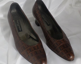 VINTAGE Guy Laroche Croc Embossed Leather Shoes