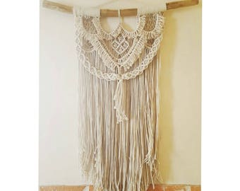 Wall decoration in unbleached cotton rope