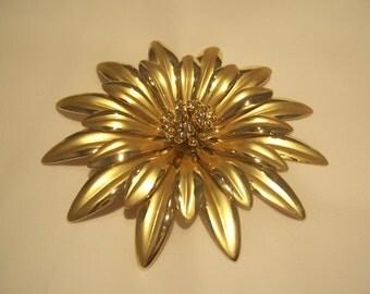 Large Goldtone Flower Brooch