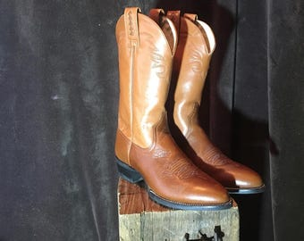 Women's Ariat size 6.5B two tone leather brown ATS cowboy western boots Nice!